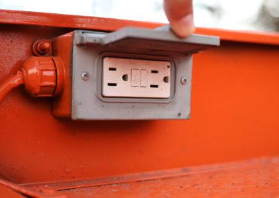 Skyjack-SJ3219-Power-Outlet