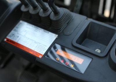 Toyota-8FGCU25-Control-Panel