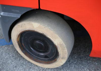 Toyota-8FGCU25-Back-Wheel